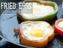 Paleo Fried Eggs in Bell Pepper Rings // OnDietAndHealth.com