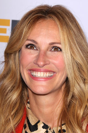 Julia Roberts has a healthy wide dental arch
